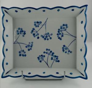 Plat Four à grands rebords Fleurs Pompons bleus
